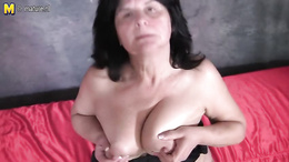 Mature shows off rubbing her fat pussy in excellent solo scenes