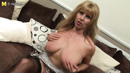 Stunning mature with big boobs excellent webcam solo toy porn
