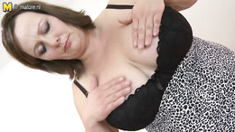 Hot BBW gets out her huge boobs and plays with them on camera