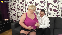 Plush blonde fat mature chick is sucking a skinny guy's long cock