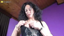 MILFy older beauty gives us special striptease porno and fingering