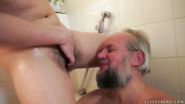 Gloria Cruise ass licks and wanks off a grandpa