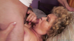 Old Effie gets her hairy muff banged
