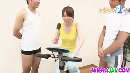 Skinny babe fucking her gym trainer