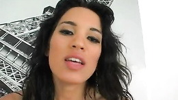 Renae Cruz cleaning up sperm off her feet with her sexy tongue