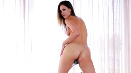 Jenny Appach fingers her sweet pussy in the bath