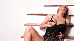 Samantha Jolie toys her pussy on the staircase