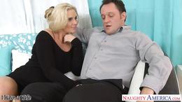 Hot wife Phoenix Marie gets pink twat fucked