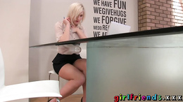 Girlfriends Blonde stunner stops work for solo girl fun