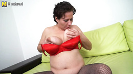 Hot BBW model who loves her dildo collection pleasures herself