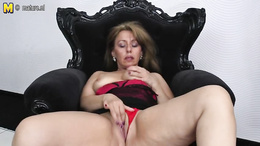 Wifey loves a good toy to cause her orgasms during this passionate pussy play