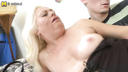 Foxy nympho granny is fucking a younger stud with her old pussy