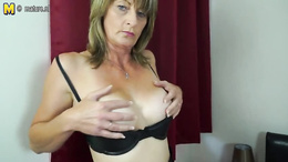 Curvy ass milf decides to strip to her stockings for a solo session