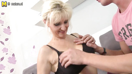 Hot busty blonde darling getting her juicy twat screwed properly