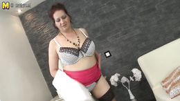 Chubby milf flaunting her sweet succulent body as she fingers her twat