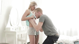 Smoking hot blonde teen gives her boyfriend a sizzling hot POV blowjob