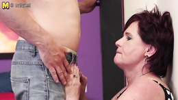 Horny mom accepts son to fuck her shaved twat in hard modes