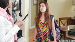 Stepmom Rachel Starr teaches daughter Sally Squirt secrets of blowjobs