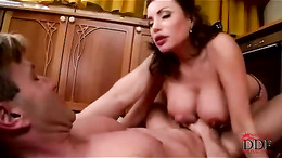 Cum craving babe gets her face splattered with hot cum