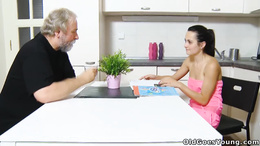 Older mature guy pound and eat tight pussy on kitchen table