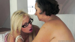 Smoking hot blonde Kiara Lord sits her face on grandmas lips