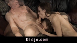Perv old man without shame fucks the girl of his fellow
