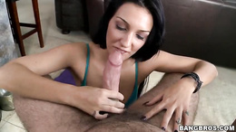 Alluring Amber Cox wraps her lips round this hard cock
