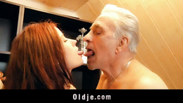 Old man receives pussy sexual thanking
