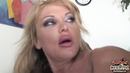 Taylor Wane hot babe got rich in cream sauce from black