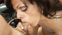 Nasty Arianna LaBarbara treats herself to a good fuck and a messy hot facial