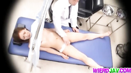 Japanese babe gets her pussy checked